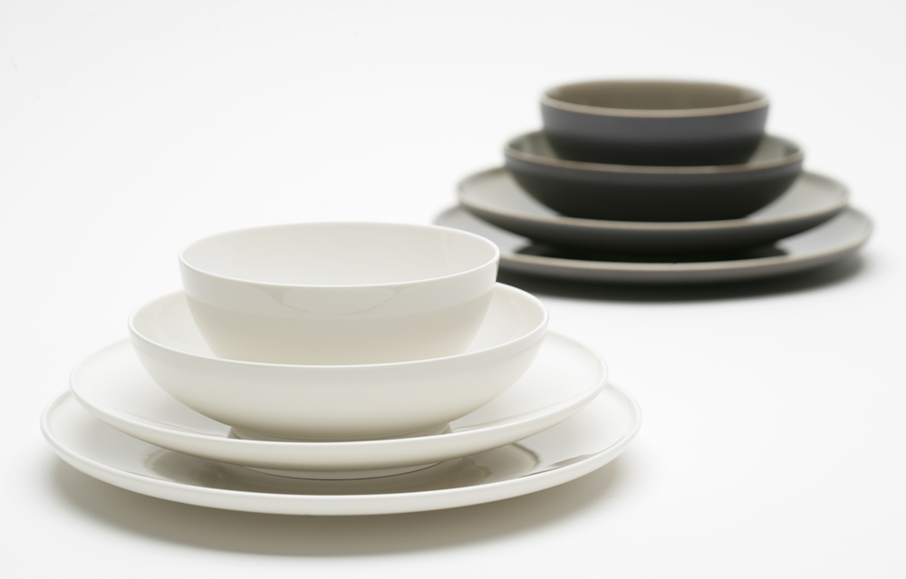 Arum Queensberry Hunt & Fine Stoneware Dinnerware - Castrophotos